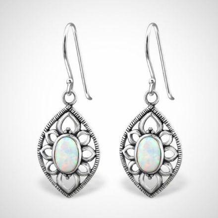 Afbeeldingen van Zilveren oorhangers marquise met opaal - fire snow